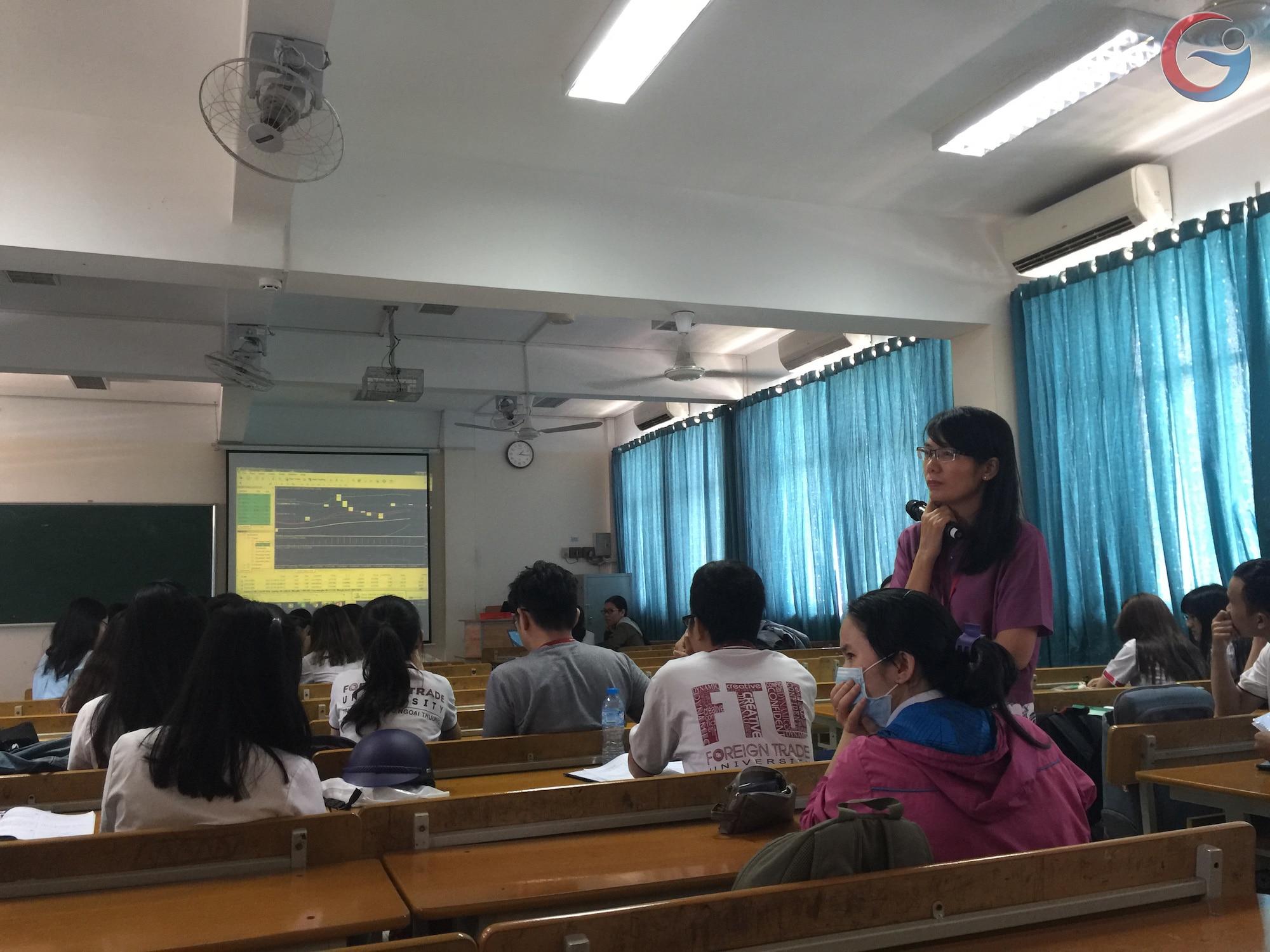 Sinh viên trade forex lấy điểm kiểm tra